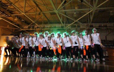 Seniors win school Spirit Week Dance