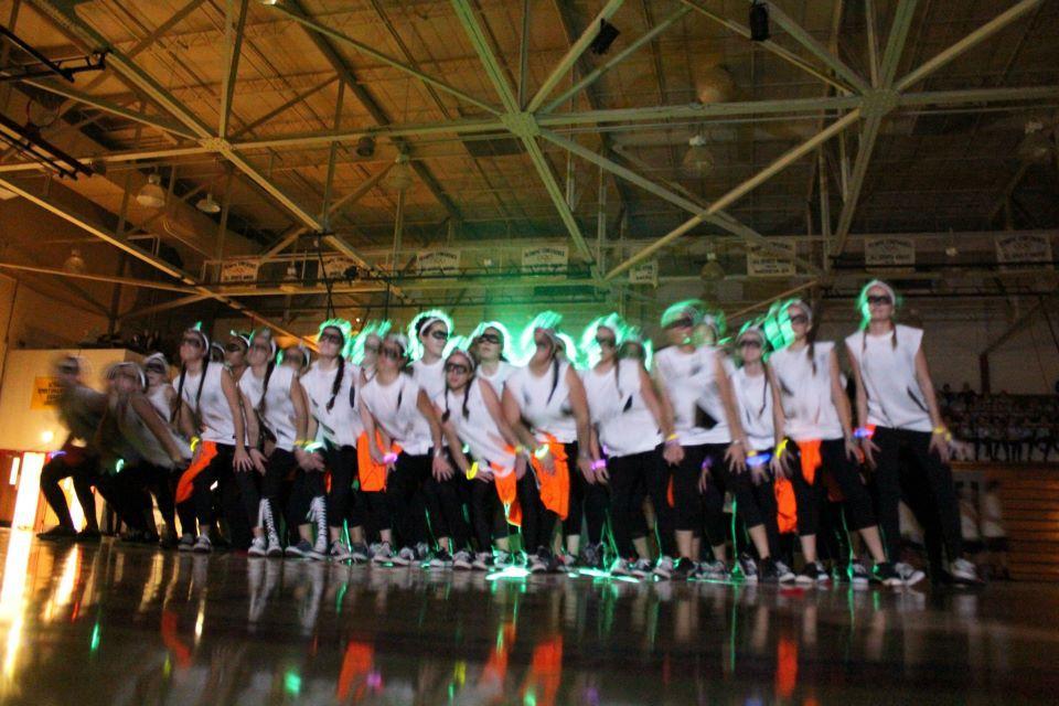 Seniors win school Spirit Week Dance