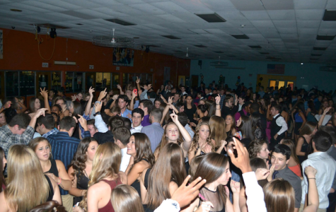 Student scholars dance the night away at Homecoming dance