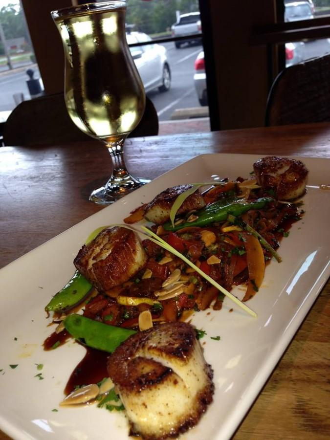 The Farm and Fisherman's Tavern and Market features fresh Jersey scallops as an entree.