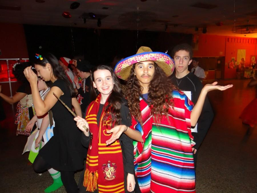 Students+enjoyed+their+time+at+last+year%27s+Halloween+Dance.+