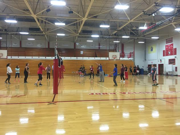 East+students+participate+in+Spirit+week+volleyball