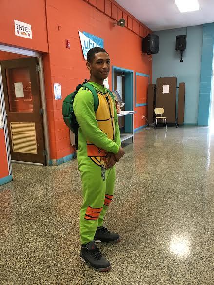 Jordan Mason ('19) dresses up as a Teenage Mutant Ninja Turtle