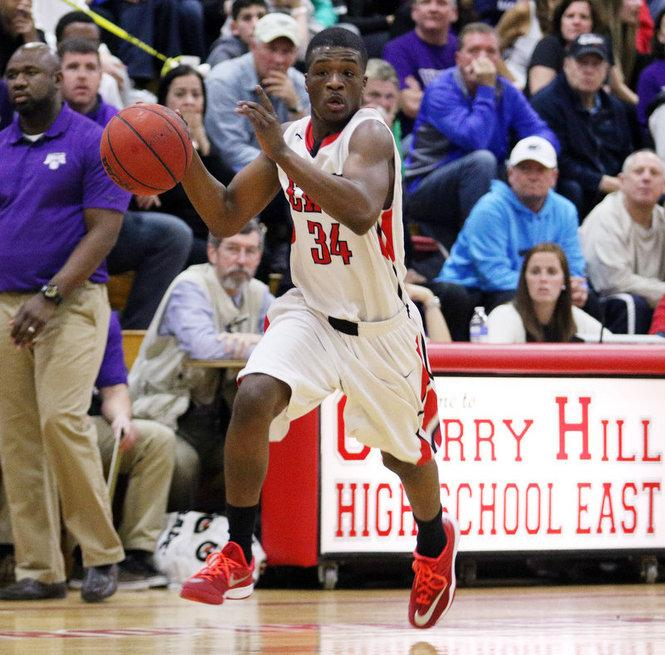 East fails to defeat West in boys basketball game