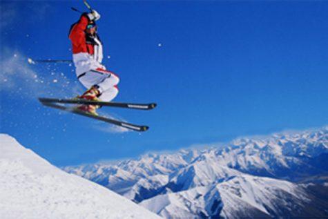 East Outdoors Club Hosts Ski Trip