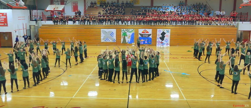 Seniors win the annual Spirit Week Dance Competition