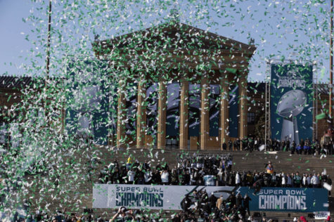 Bleeding Green: East Students Take On the Eagles Victory Parade