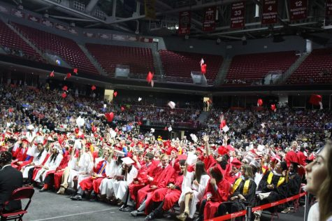 Photo Gallery: Hats off to the Class of 2018!