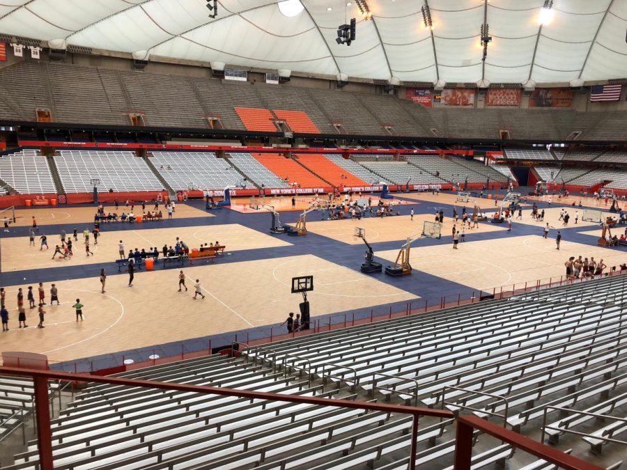A+trip+to+Syracuse+University+and+its+iconic+Carrier+Dome+can+easily+be+paired+with+visits+to+other+schools+in+the+New+York+area.+Photo+by+Molly+Phillips.