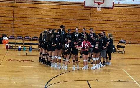 East volleyball falls to biggest rival Washington Township