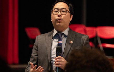 Andy Kim ('00) returns to East to talk to students