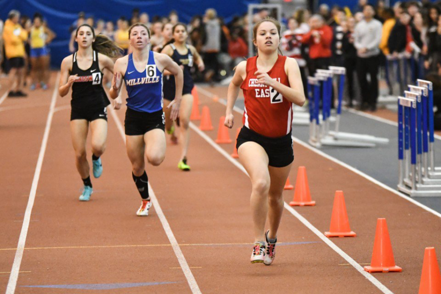 Sarah Pierce ('19) runs a race during winter track.