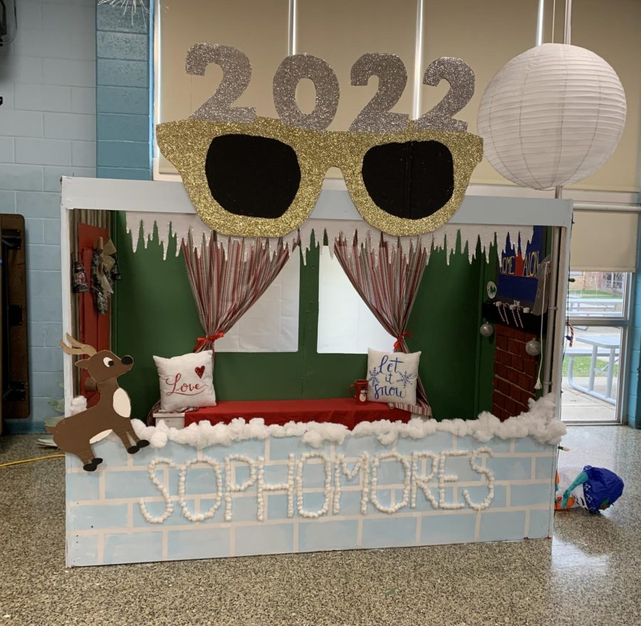 The sophomore class wins the 2019 booth competition with their innovative and creative ideas.