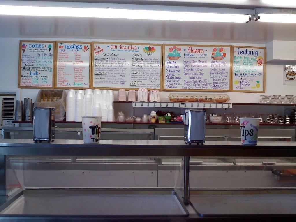 A+La+Mode+serves+fresh%2C+homemade+ice+cream+in+Ocean+City%2C+NJ.