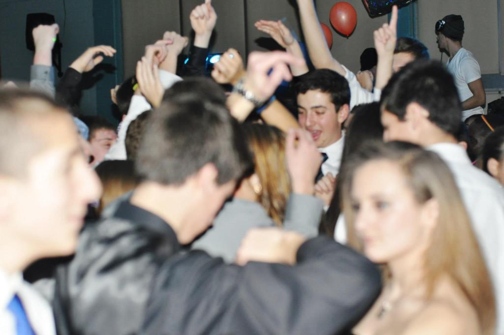 Freshman Dance glows the night away