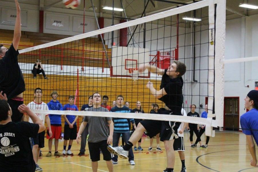 East students compete in volleyball tournament in order to win points for Spirit Week.