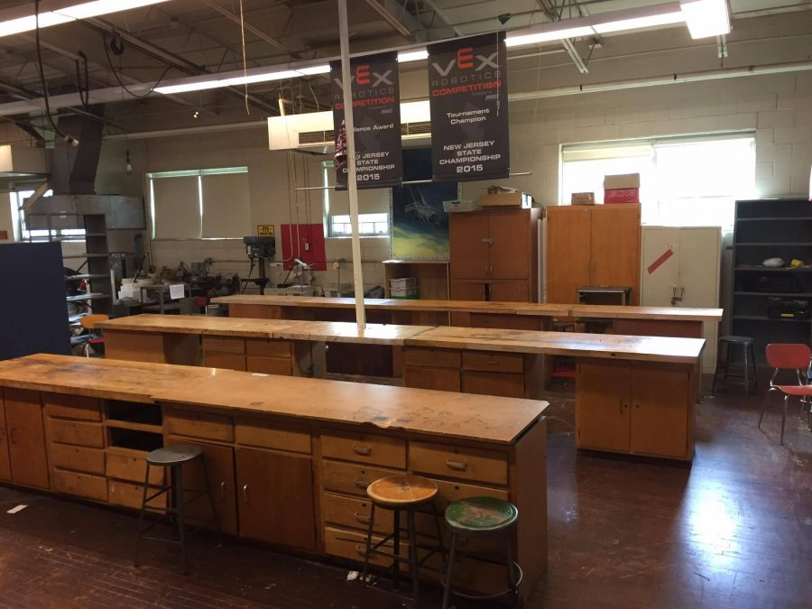 A panoramic view of the East Robotics room.