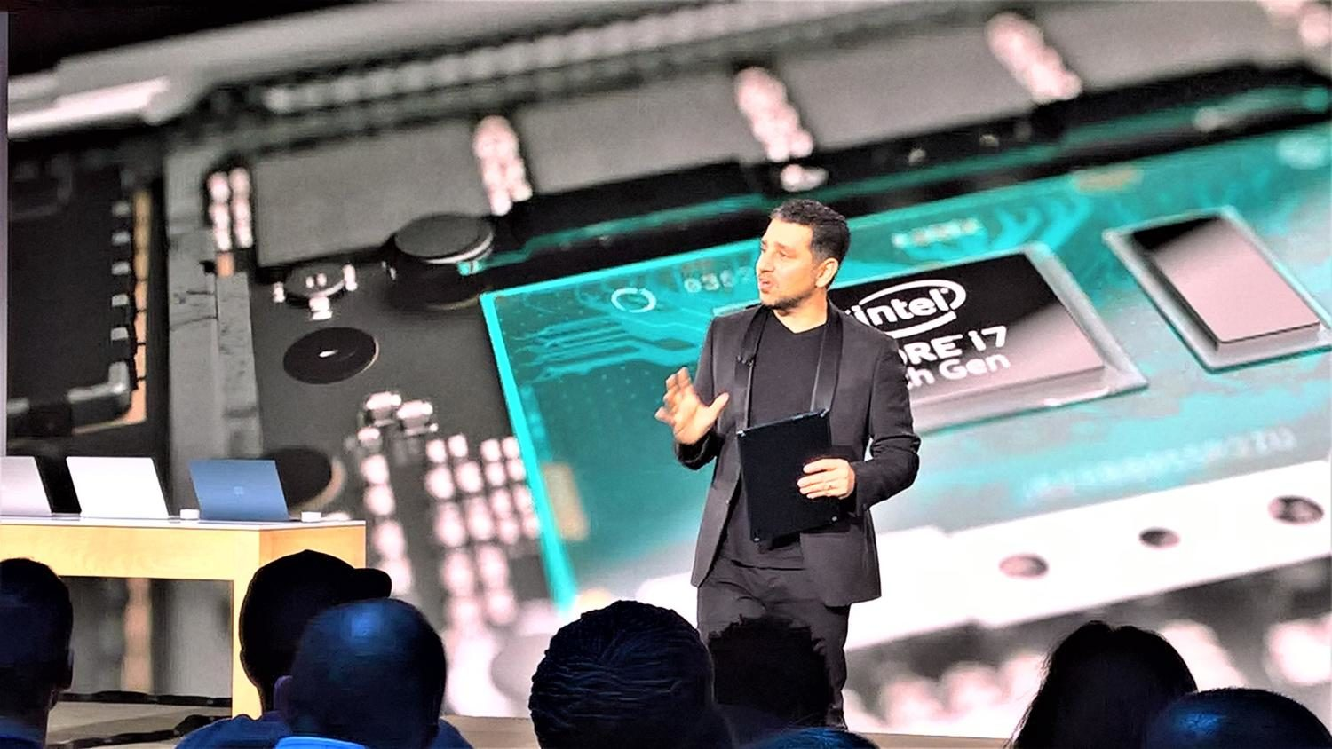 Microsoft+VP+Corporate+VP+of+Devices%2C+Panos+Panay%2C+shows+off+the+Surface+laptop+to+members+of+the+press.