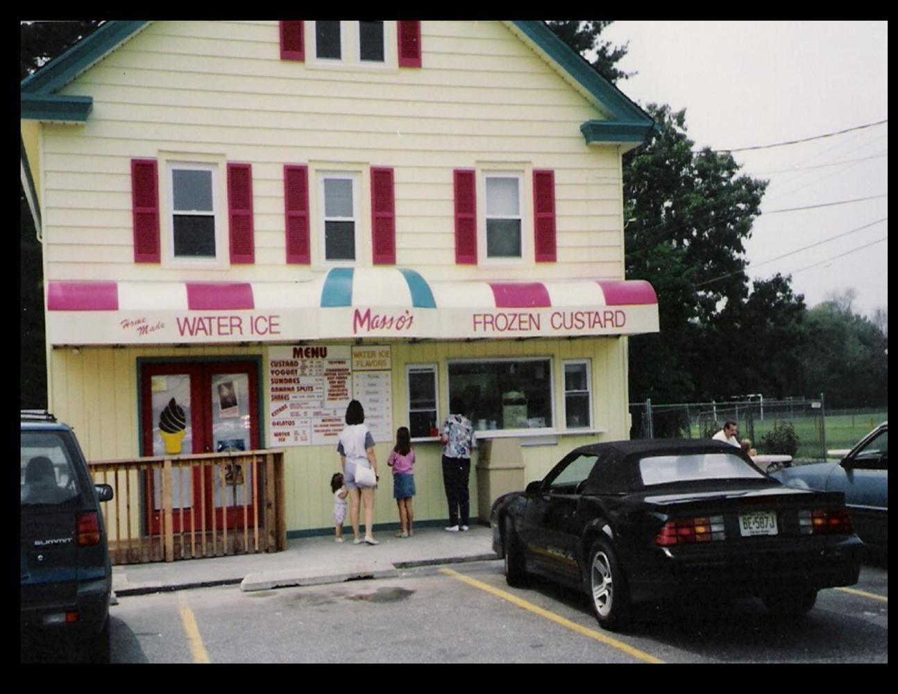 Massos+in+Gibbsboro%2C+NJ+serves+delicious+ice+cream+and+water+ice.+