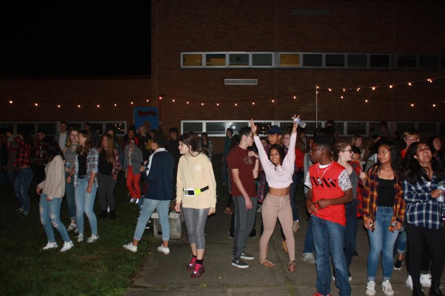 East students enjoy the multiple activities found at Festival E.