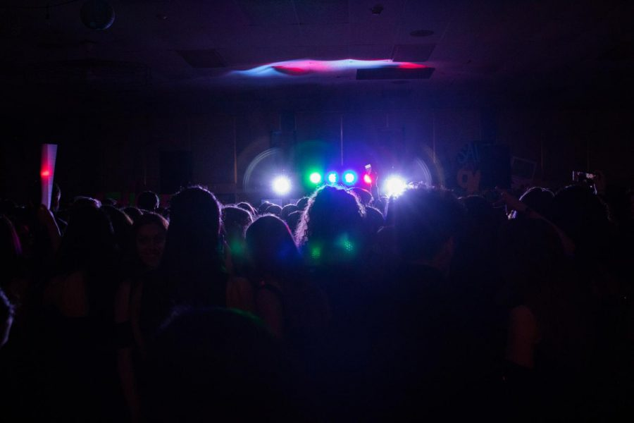 East+students+go+back+to+the+Disco+decade+for+Homecoming