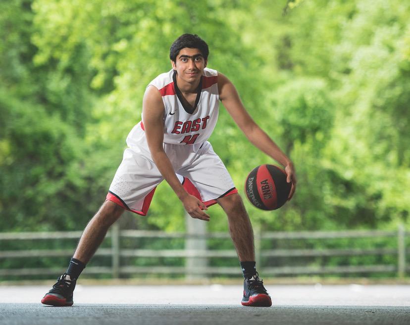 Humza Hussain ('20)