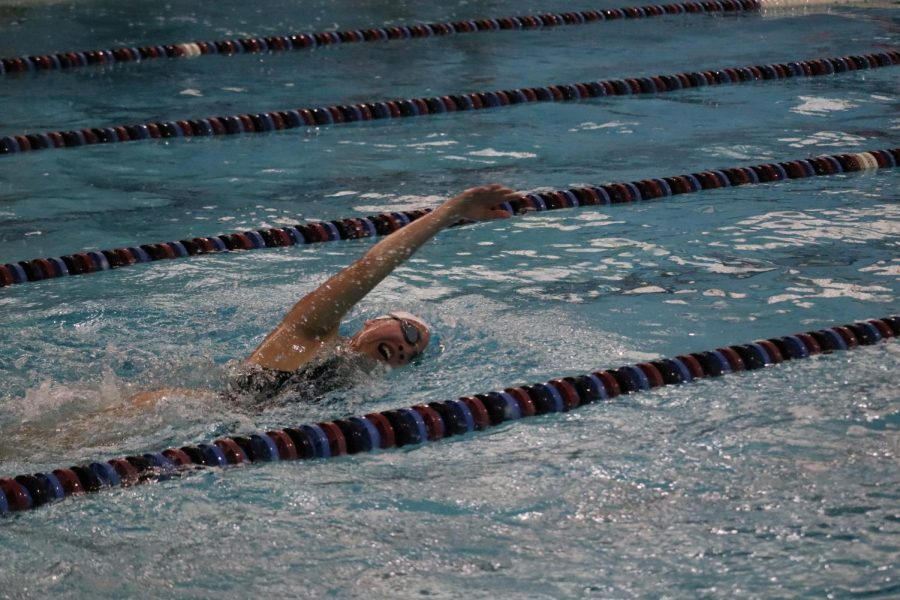 Ashley Ong ('21) swims the 500 yard Free.
